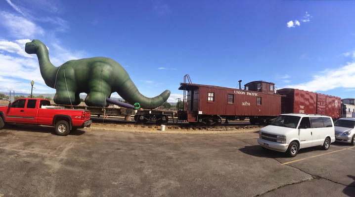 25' Brontosaurus on Train