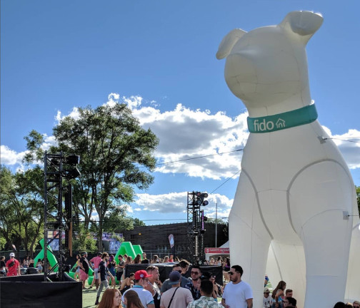 Replica Inflatables: 25 foot Fido Dog at Event