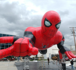 Spiderman-far-from-home-inflatable-GIANT