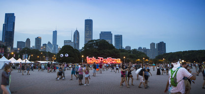 inflatable lollapalooza sign