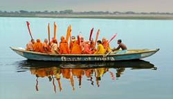 DSC00222+Varanasi+pilgrims+print-1