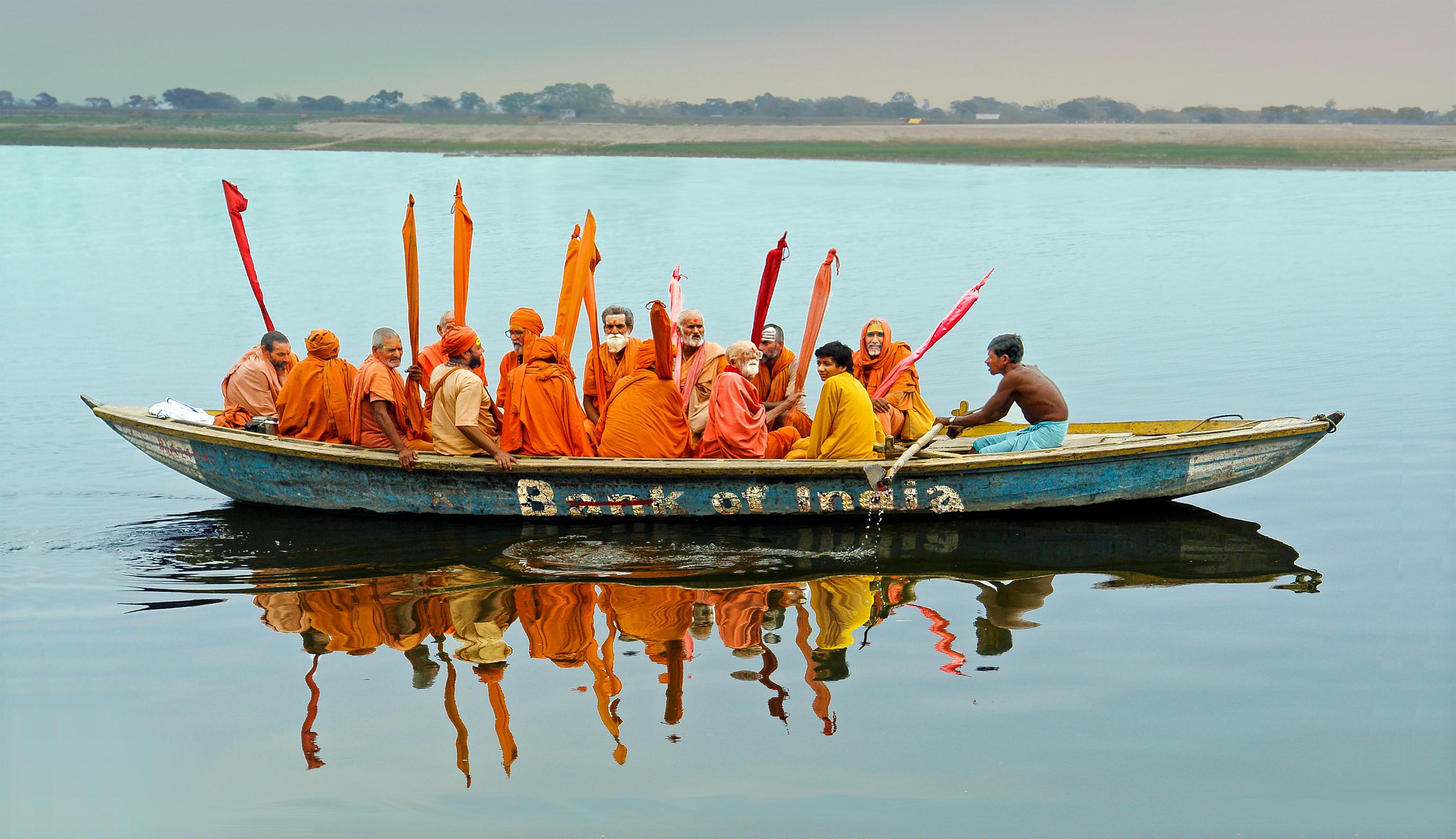 DSC00222 Varanasi pilgrims print-1