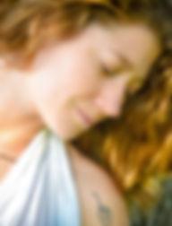 Engagment ; Wedding ; porrait ; photography beatutiful ; woman golden hair ; white