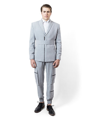 TRAJE GRIS DE LINO CON CINTURÓN / Gray Linen Suit with Belt