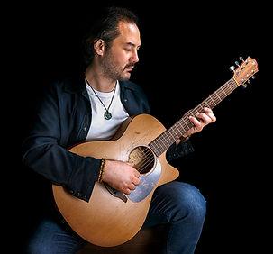 cagri-gitar-1000.jpg