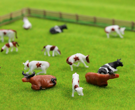 1:87/00 Scale Painted Model Cows - x5 or x10