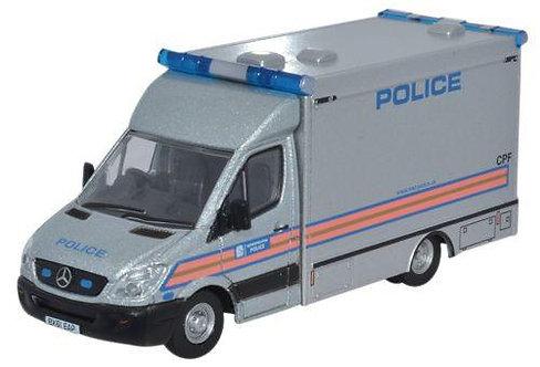 Oxford Diecast Mercedes Explosives Ordnance Disposal - Met Police