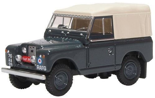 Oxford Diecast Land Rover Series II SWB Canvas - RAF Police