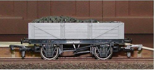 Dapol Unpainted Wagon - 4 Plank