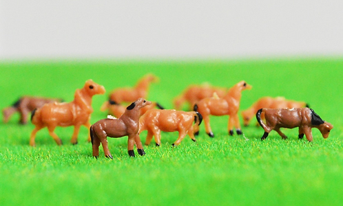 1:150/N Scale Painted Model Horses - x5 or x10