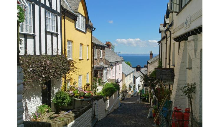 View down the steep pathway in Clovelly