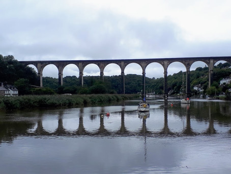 A Great Scenic Train Journey From  Cornwall To Devon