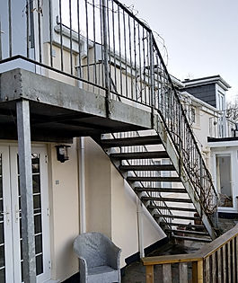 Main access steps to Tamar View suite.jp