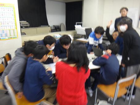 横浜の小学校にてロボット・プログラミングの授業を実施