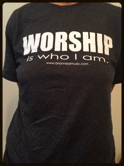 WORSHIP is who I am - T-Shirt - Gray