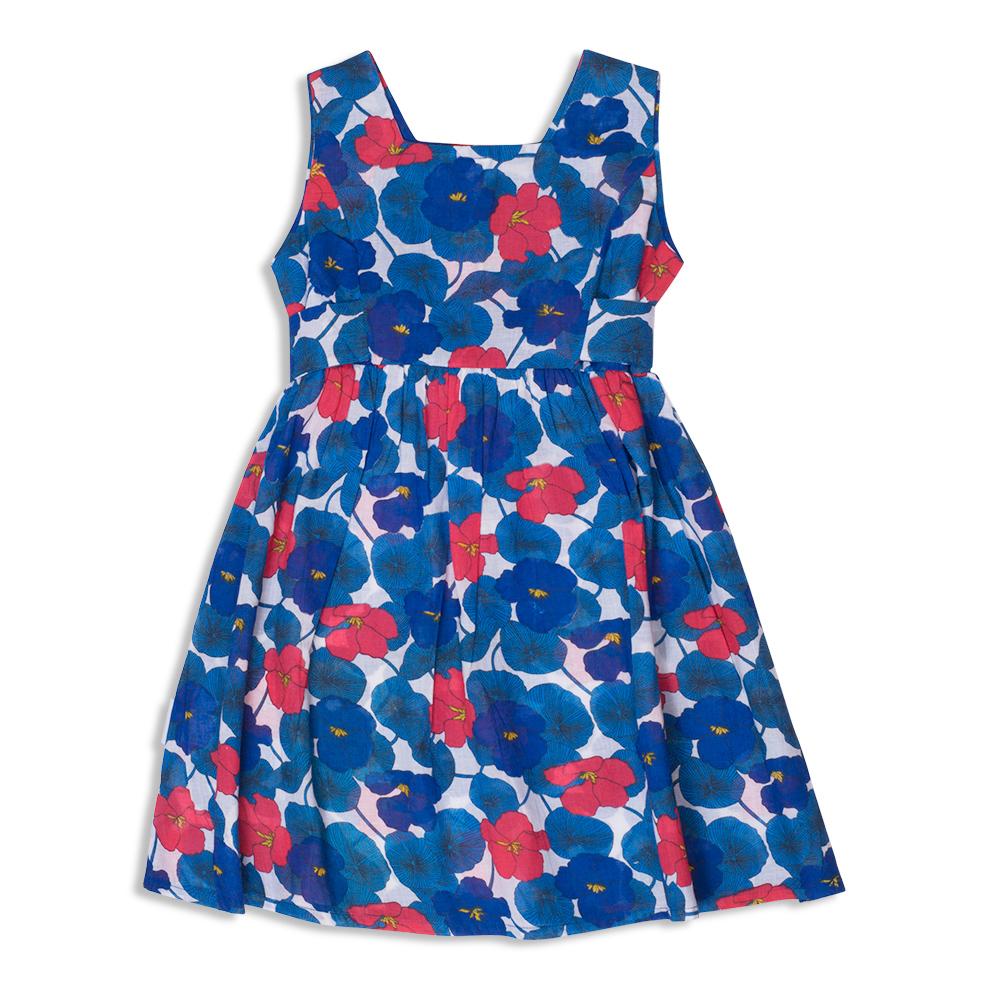צילום בגדים שמלה כחולה קיצית