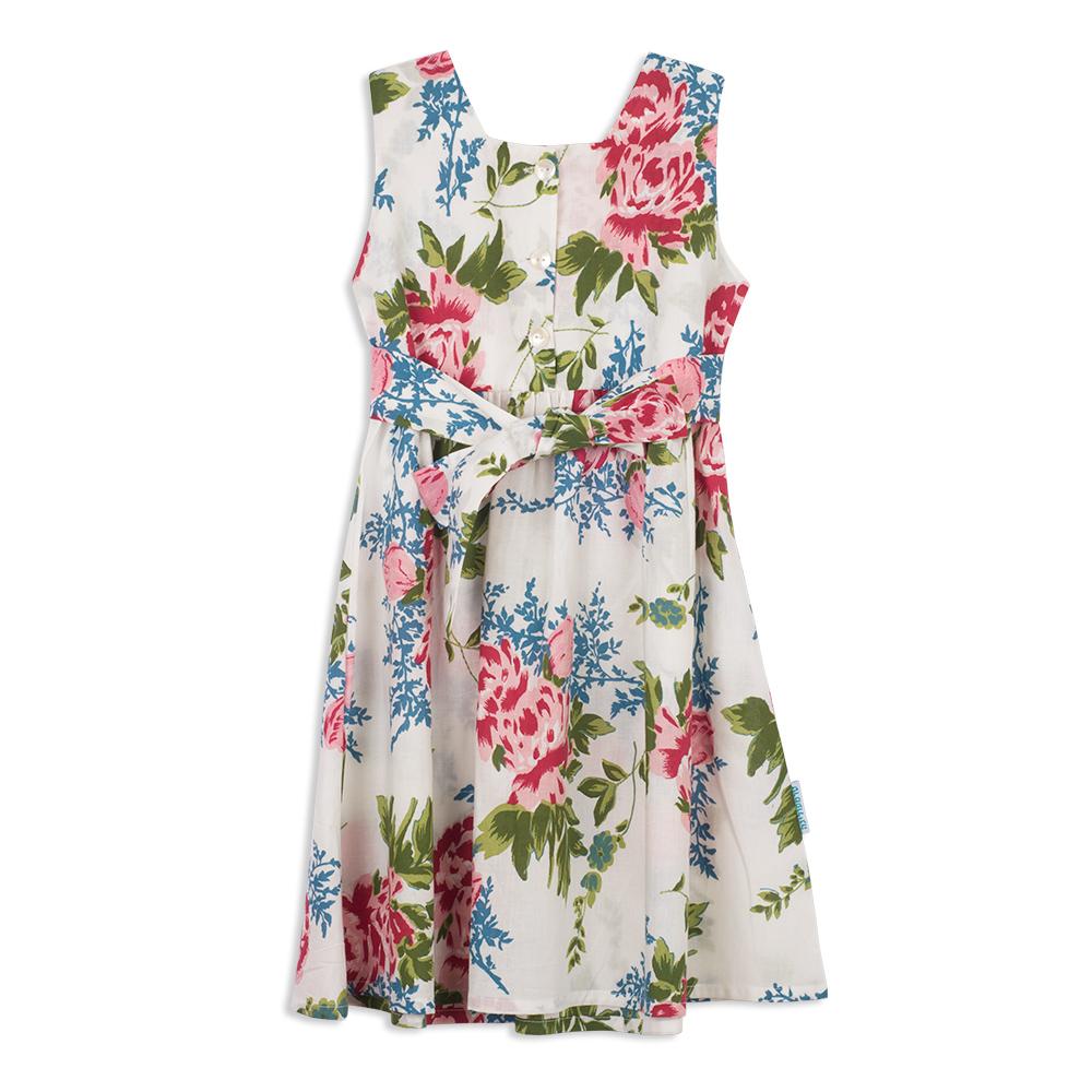 צילום בגדים שמלה לבנה פרחונית