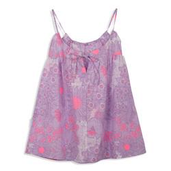צילום בגדים שמלה סגולה מאחור