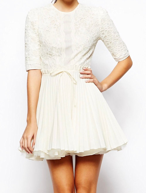 Size 10 Cream lace pleated Skater Dress
