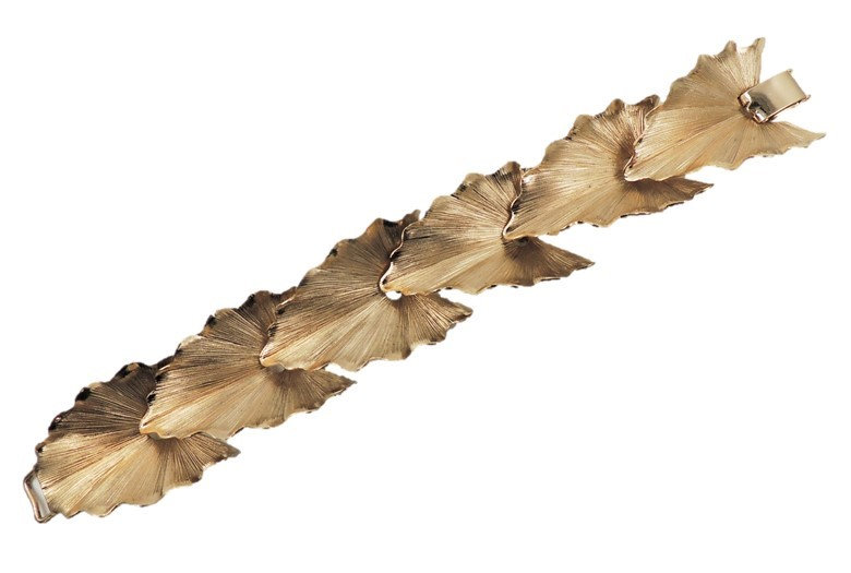 1960s Napier Book Piece Goldtone Leaves Bracelet