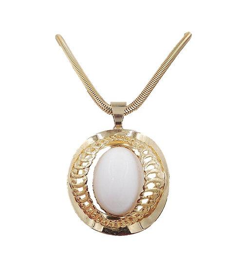 1970s Napier White Cabochon Pendant Necklace