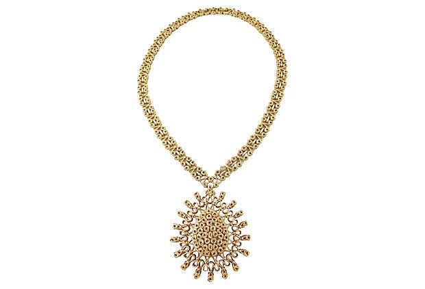 1960s Monet Goldtone Pendant Necklace