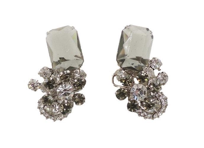 1960s Delizza & Elster Juliana Faux-Black Diamond Flower Earrings