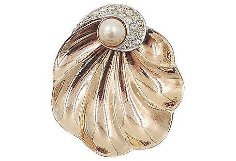 Boucher Goldtone Shell Fur Clip, 1947