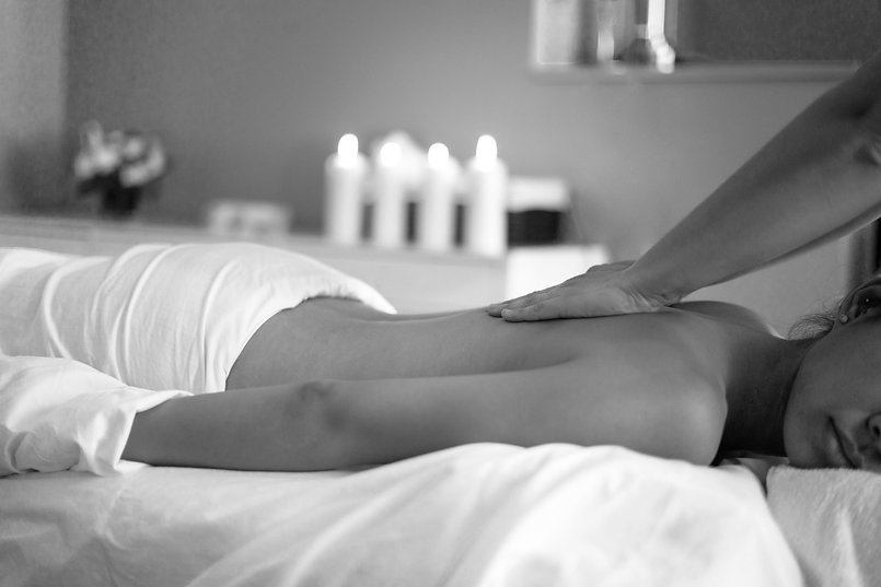 woman-getting-back-massage.jpg