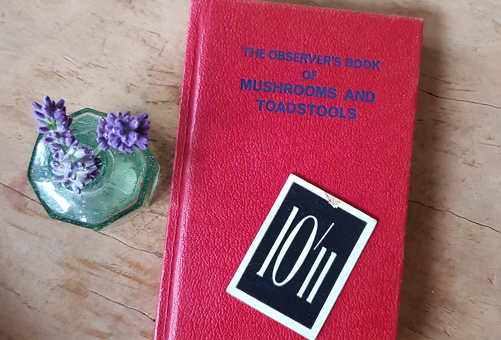 Observer's Book of Mushrooms and Toadstools