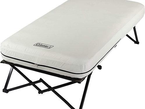 콜맨 캠핑 침대, 에어 매트리스 및 펌프 콤보 | 사이드 테이블 및 배터리 작동 식 접이식 캠프 침대 및 에어 베드 --트윈사이즈