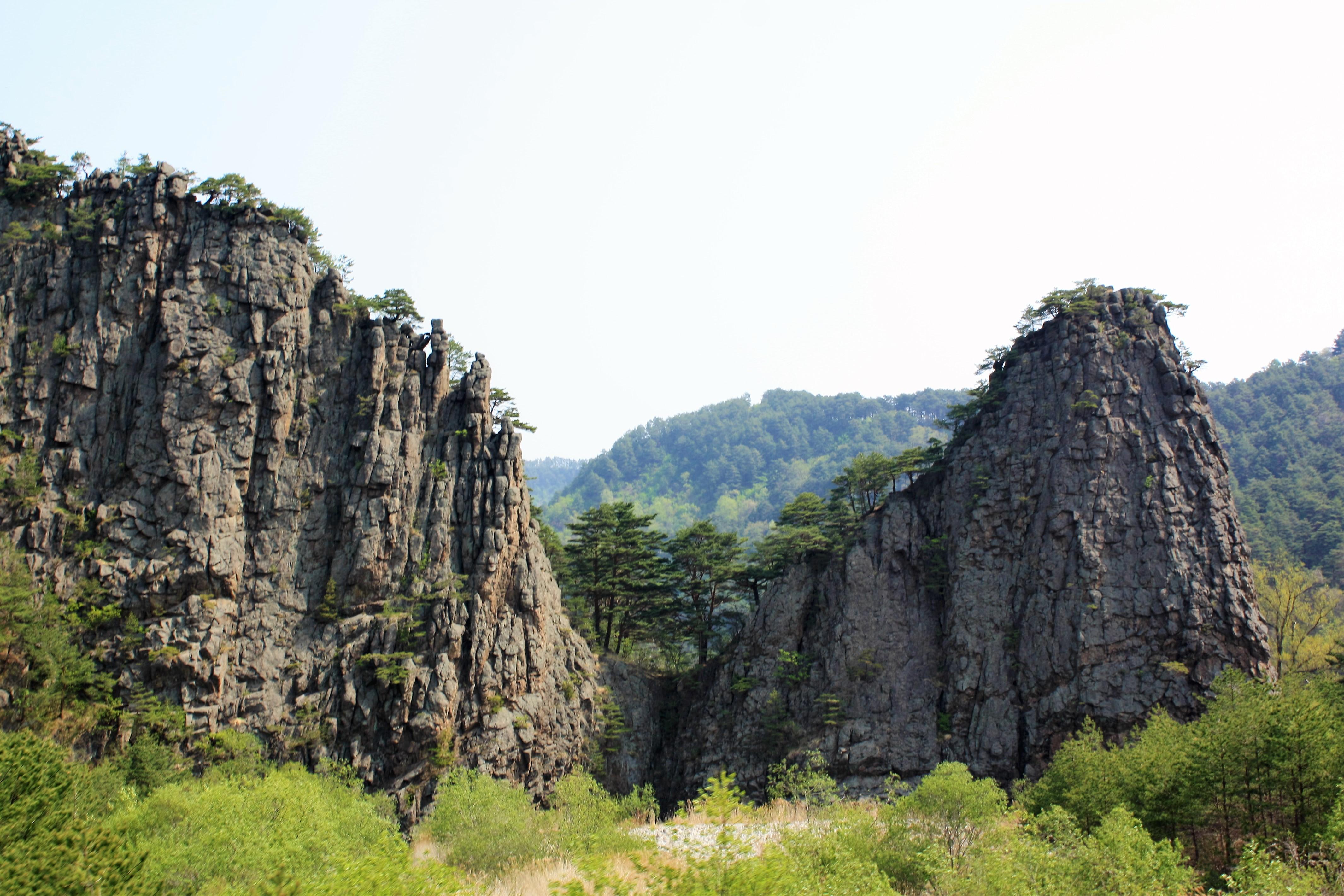 Северная Корея. Горы Чхильбосан