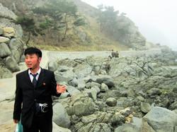 Северная Корея. Гид в горах Чхильбо