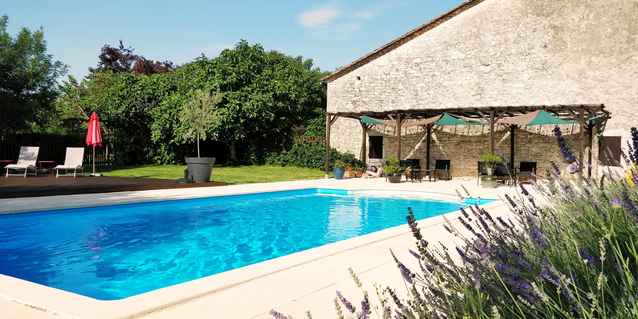 Cottages de Garrigue swimming pool