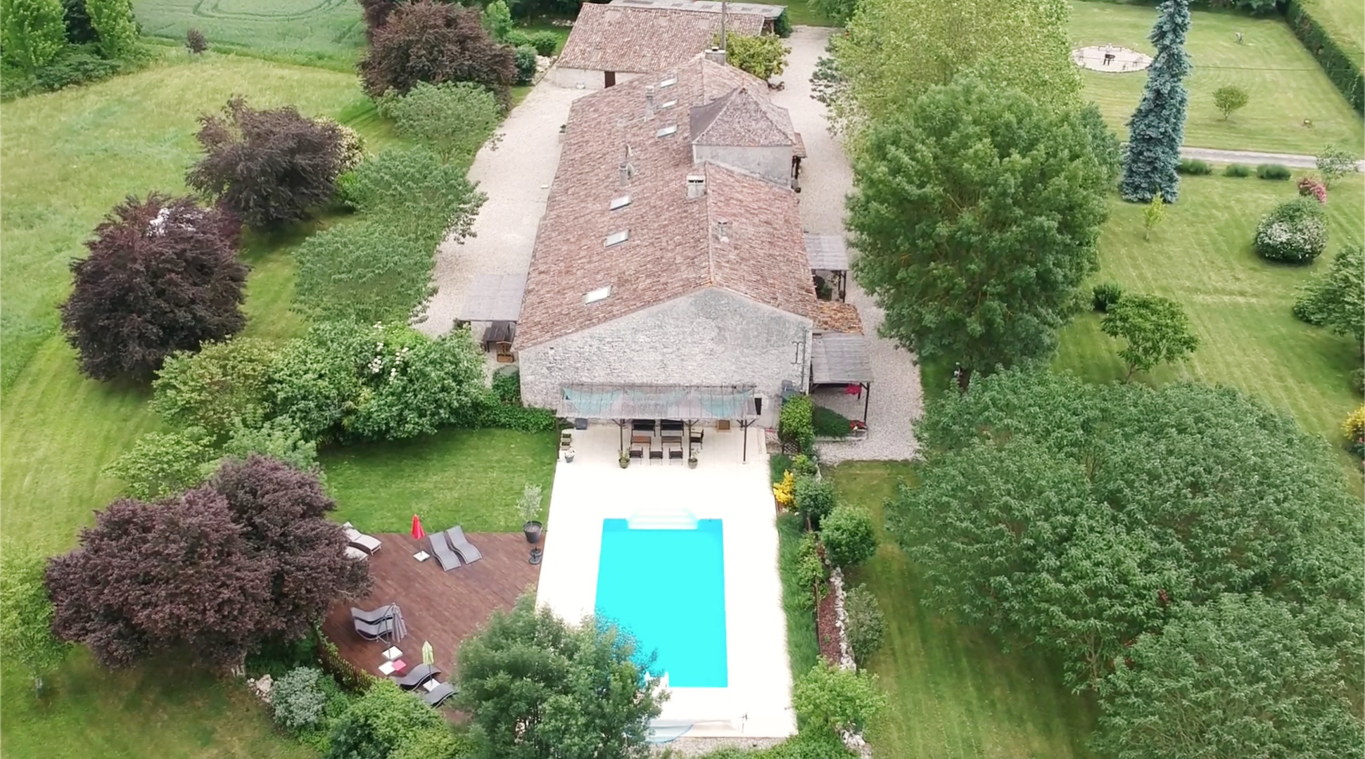 Garrigue drone image pool view 2019.