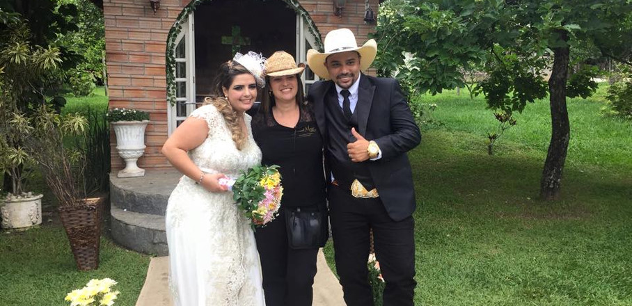 Casamento Country com os noivos