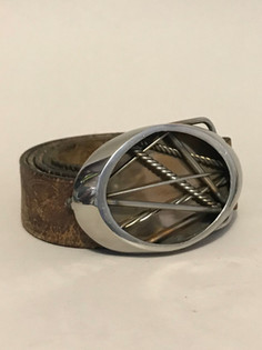 Abstract Buckle