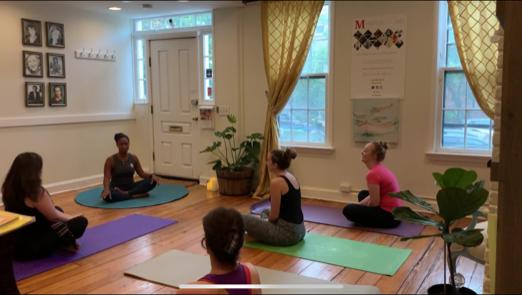 Live Music Yoga, Dupont Ci