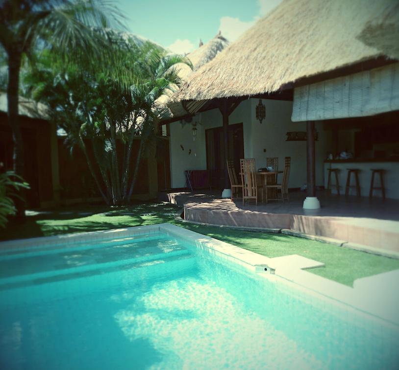 Pool & living area