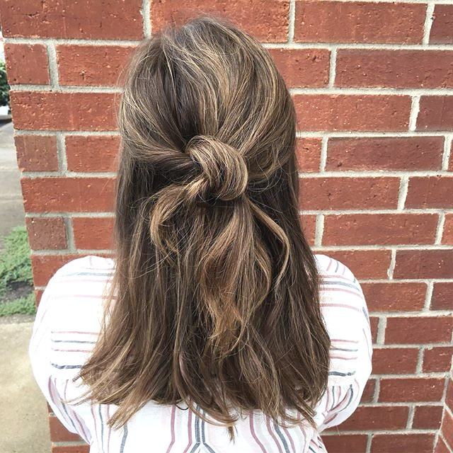 2 minute style with a knot and some Bobb