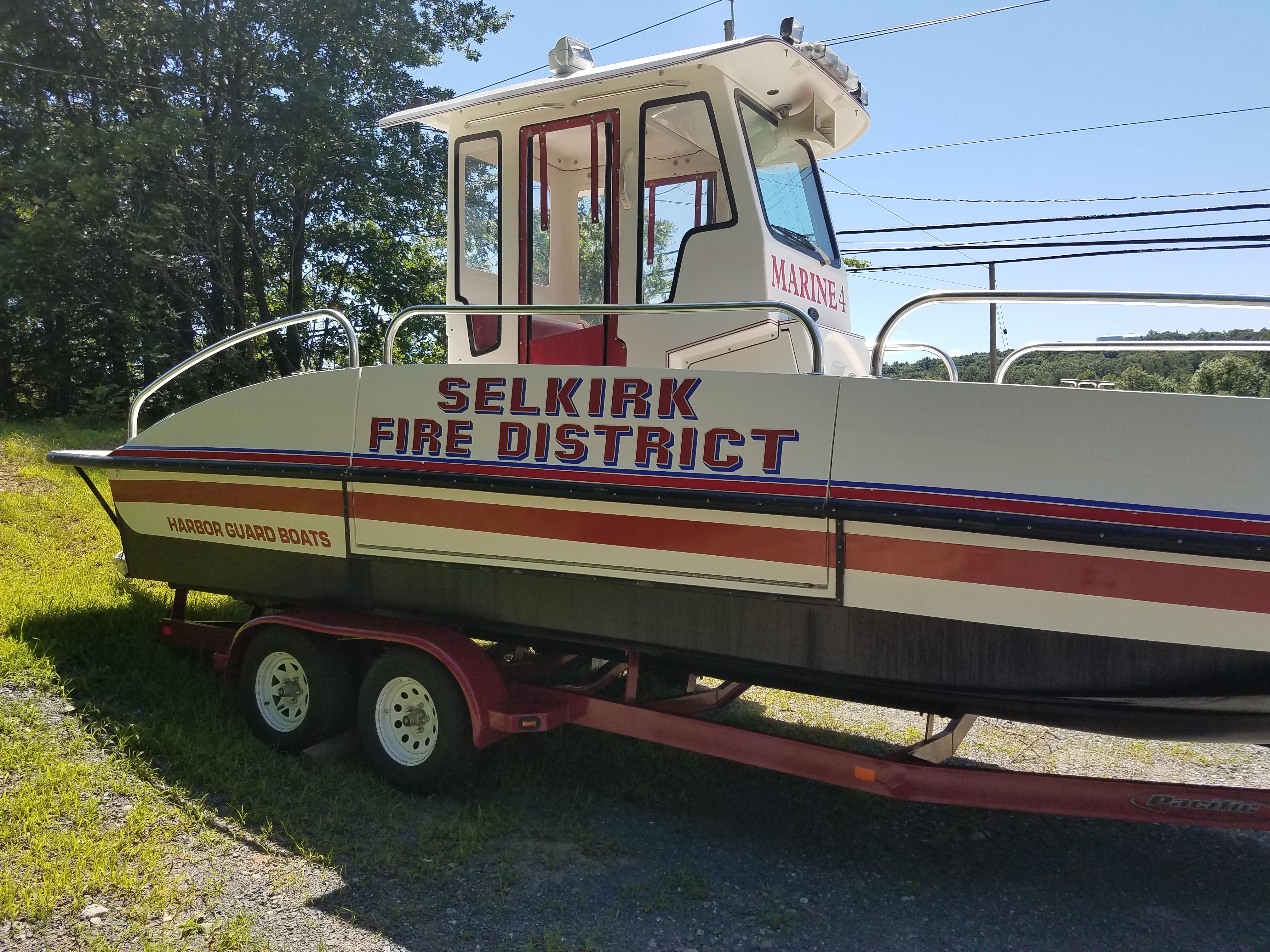 Selkirk Marine Boat (3)