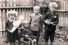 Czech Children, Tres Bohemes, CCO