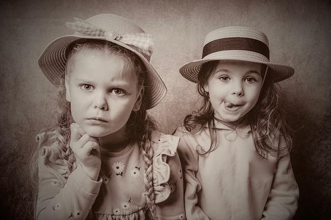 Girls, Friends, CC0