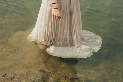 Woman n Water, CCO
