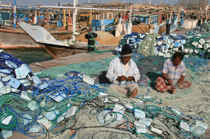 Repairing fishing nets (9).jpg