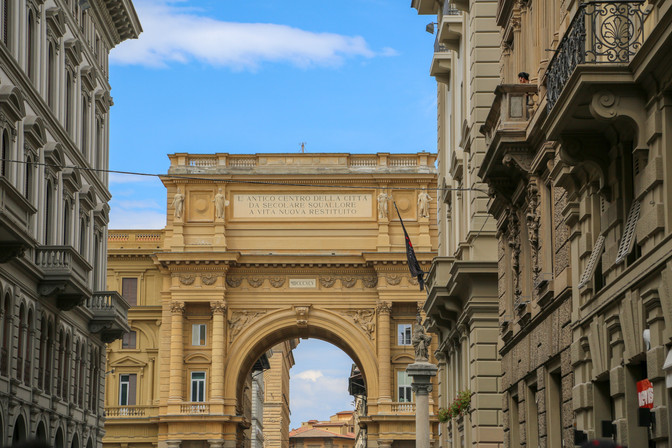 Arcone Triumpha Arch, Florence, Italy