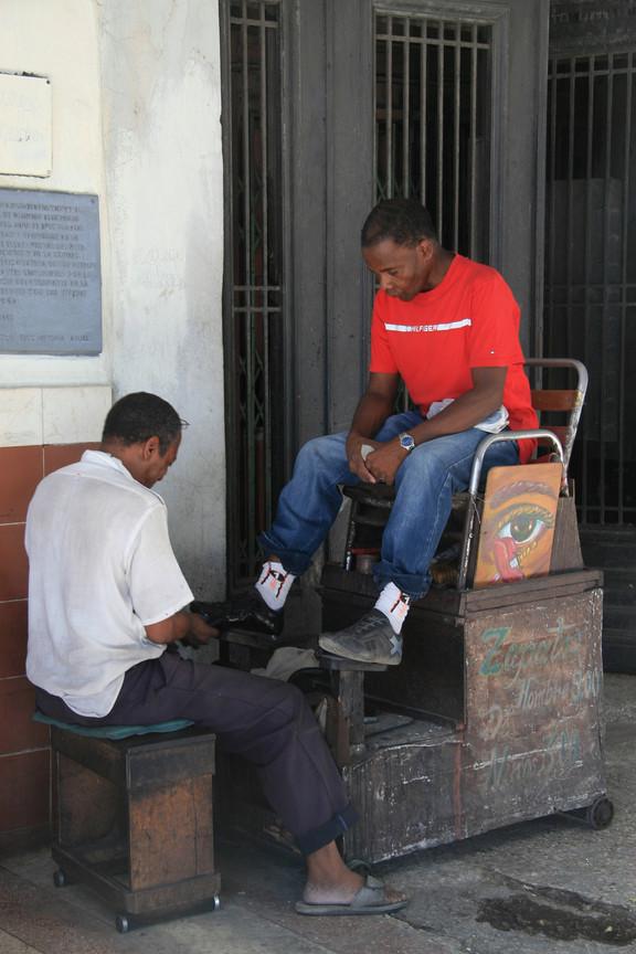 Shoe cleaner, Havana, Cuba