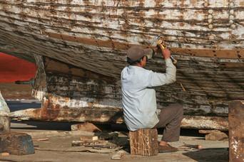 Repairing Boats, Qatar