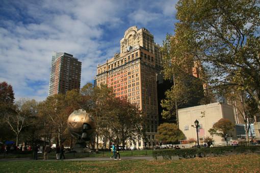 Battery Park, Empire State Building, New York City, USA