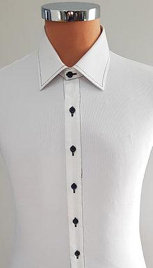 Camicia Bianca, cuciture nere